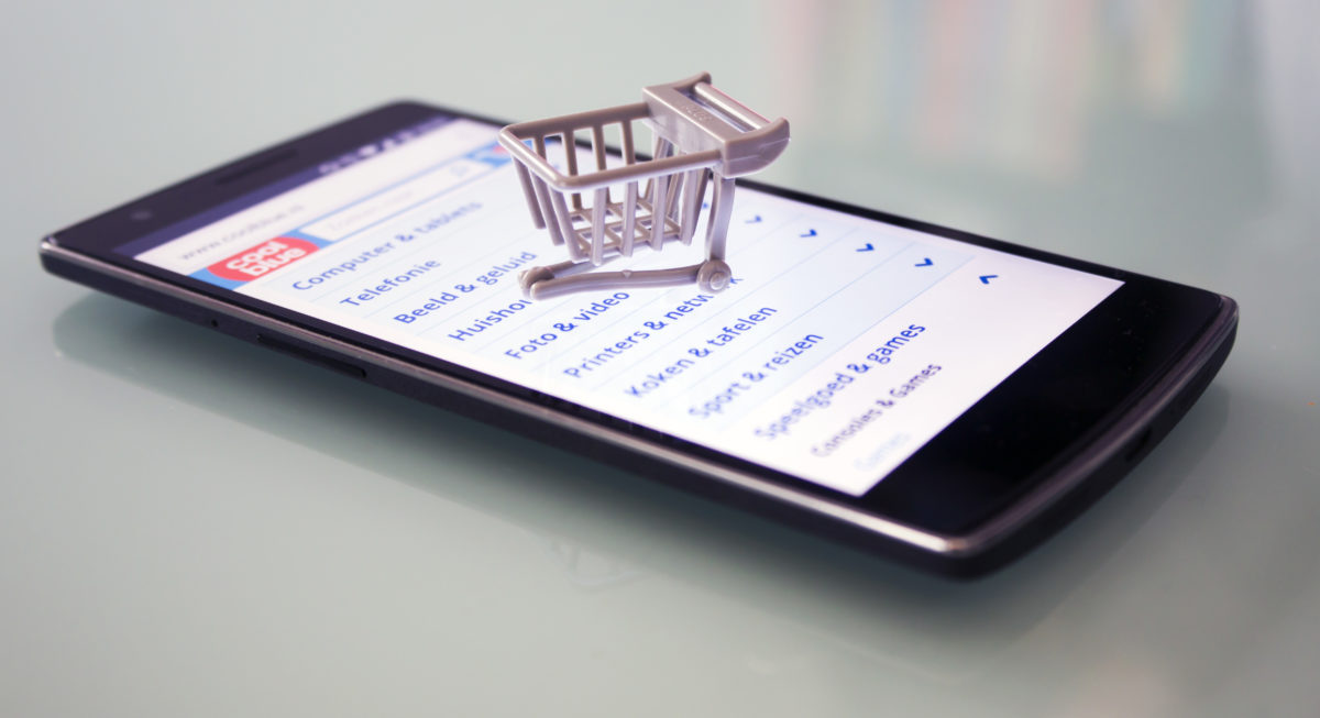 Cosa ci affascina dello shopping online